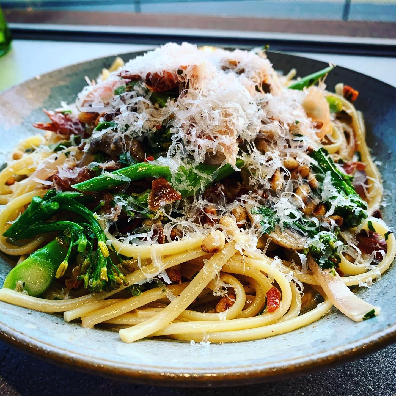 Prosciutto, Mushroom & Broccolini Linguine