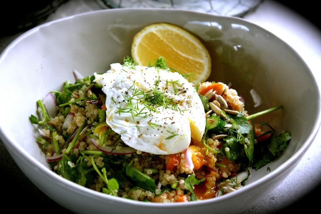 Hot Smoked Salmon, Quinoa & Poached Egg Breakfast Bowls