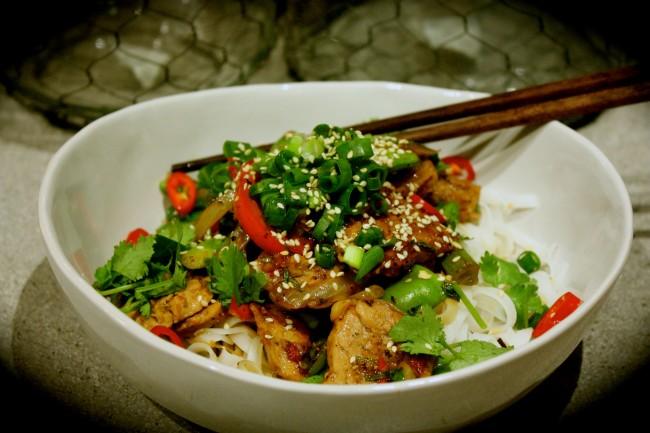 Black Pepper Pork with Rice Noodles